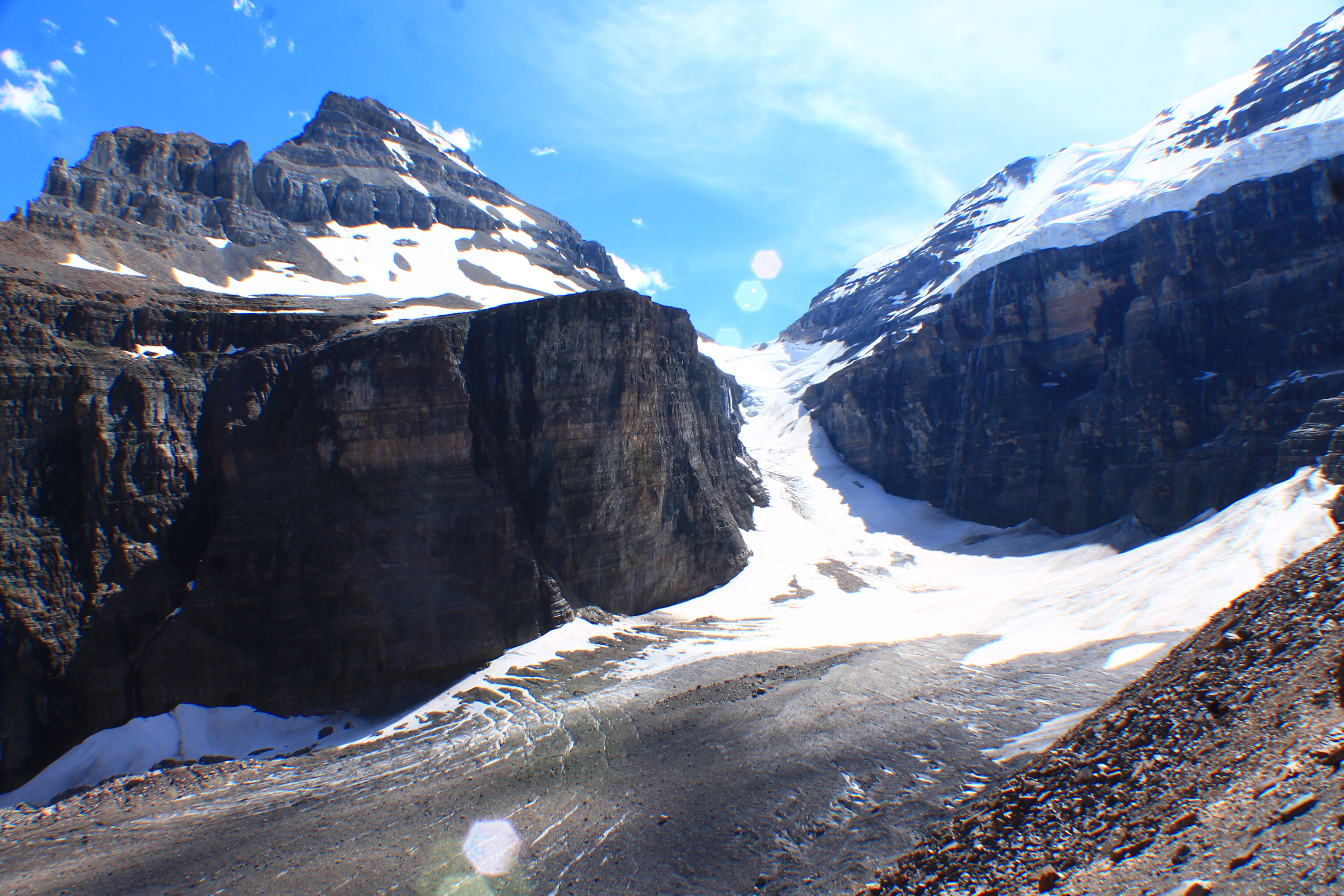Hiking to Plain of Six Glaciers, Adventurers Day Hiking Guide Lake Louise